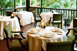 Au jardin by les amis singapore honeymoons and for Au jardin wedding